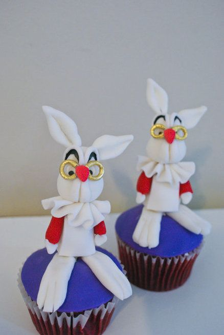 Art cakes, Alice in wonderland rabbit and Art on Pinterest