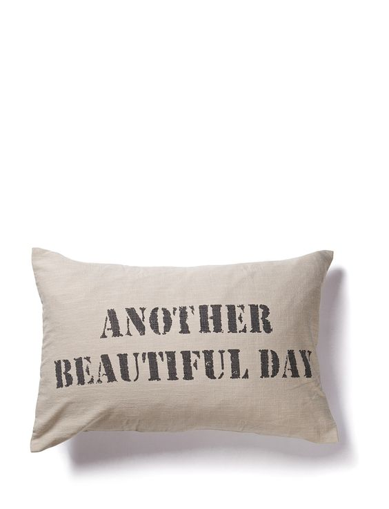 Everyday should be a lovely day! Brighten up the atmosphere at home with positive words. DAY Home.