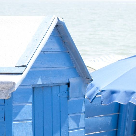 blue beach cabin - saintes maries de la mer beach, south of France