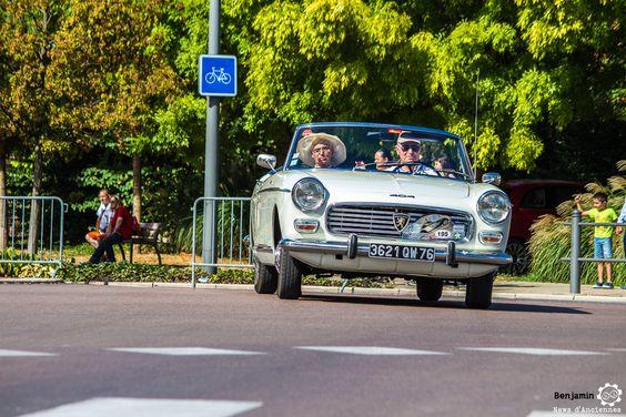 Peugeot 404 Cabriolet aux 48h Automobiles de Troyes #MoteuràSouvenirs Reportage : http://newsdanciennes.com/2016/09/12/les-48h-automobiles-de-troyes-2016-cetaient-quatre-jours-de-bonheur/