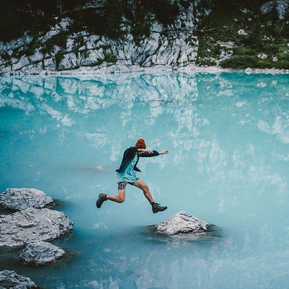 Its not life if were not living it. Take that leap! Lago Del Sorapis Italian Dolomites. Shot by @rawmeyn. #modernoutdoors