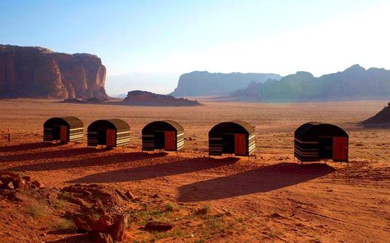 wadi rum camp im Jordanien Reiseführer http://www.abenteurer.net/3681-jordanien-reisefuehrer/