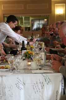 Dining On The Ontario Table Cloth At Oxford Garden Party Elm Hurst