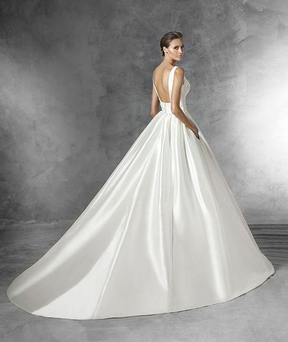 PLAZA - Robe de mariée simple, silhouette princesse