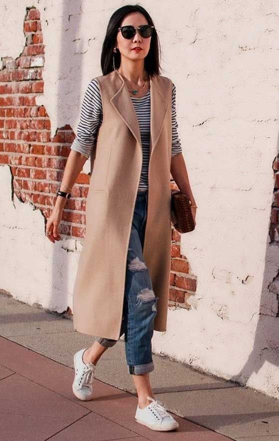 Бежевый удлиненный модный жилет