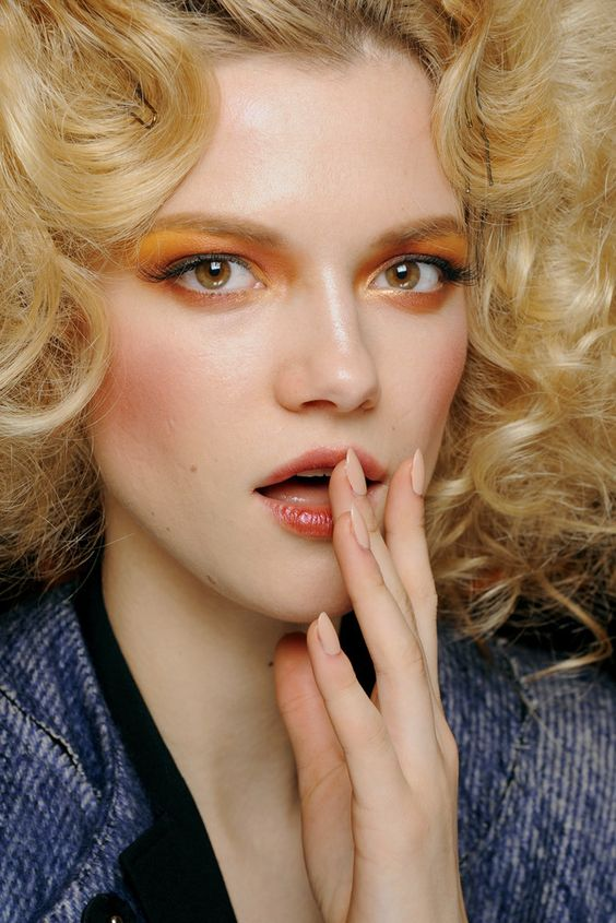 Christian Dior Fall 2010 Ready-to-Wear Fashion Show Beauty