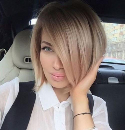 Блондинка каре