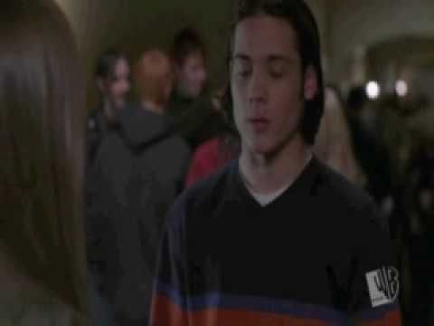 Amy says goodbye to Colin....  one of my fav scene & episode in the whole Everwood series