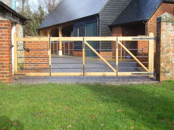 Fencing And Gates Holland  High Quality Oak Gates Built and Installed  Winterborne Zelston Fencing Dorset  Wooden Gates