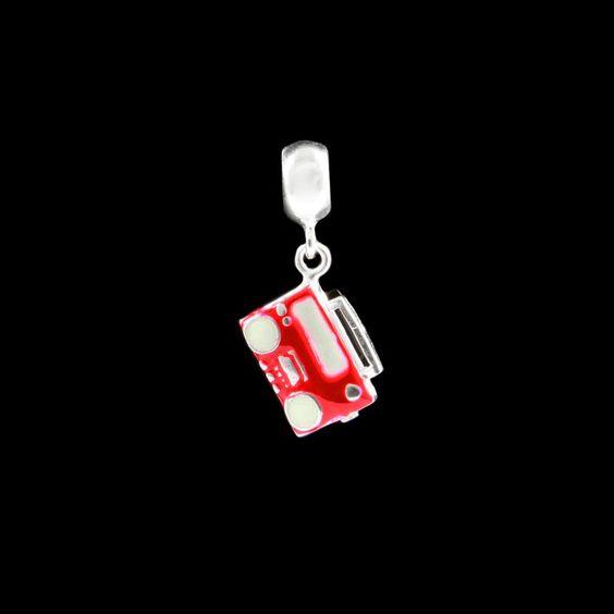 Berloque Rádio Vermelho Esmaltado. #vermelho #berloque #vintage