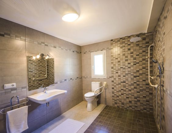Camper Met Grote Badkamer ~ explore toilet met en toilet and more toilets villas bathroom floors