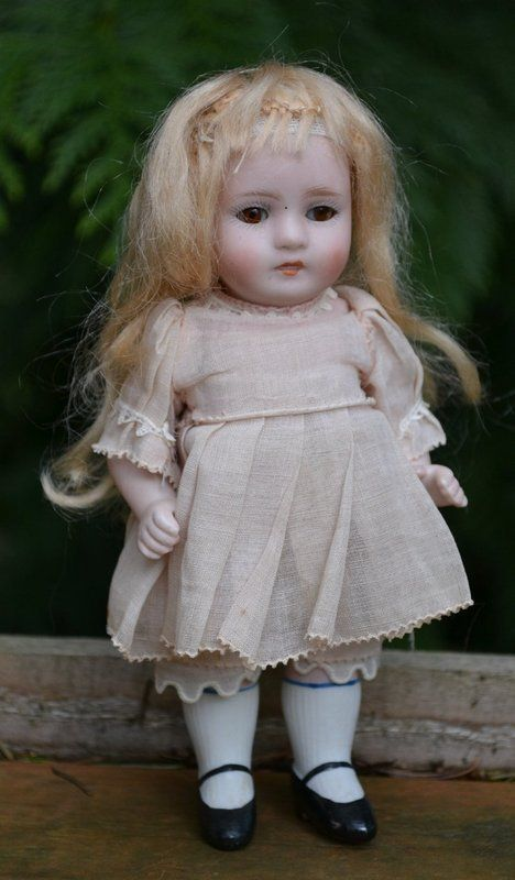 6-1/2 ABG All-Bisque Doll, Sleep Eyes SOLD (item #1291317, detailed views)