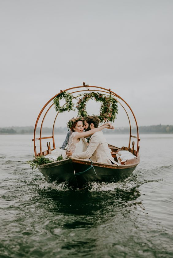 On the flip side of lavish parties with hundreds of guests, there's the intimate elopement, and this beautiful elopement inspiration from BOTTEGA53 and Centorose Un Tulipano is just about as intimate as it gets. The couple shares some time together before dressing for the day, then share sweet moments and get whisked away by a …