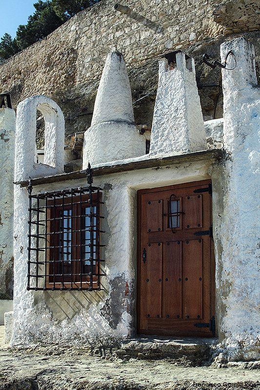 Casa cueva cave dwelling chinchilla de montearag n albacete spain spain espa a ii - Casas de citas en albacete ...
