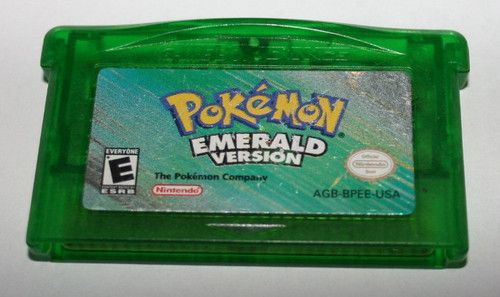 awesome Pokemon Emerald Game Boy Advance game!Omgawsh miss the old pokemon :(