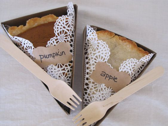 cute individual pie boxes - perfect for picnics!