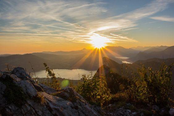 Salzburg ist ein sehr schönes und landschaftlich abwechslungsreiches Bundesland im Westen Österreichs. Ein Urlaub alleine reicht oft gar nicht aus http://www.aus-liebe.net/romantischer-wellness-urlaub-im-salzburger-land/