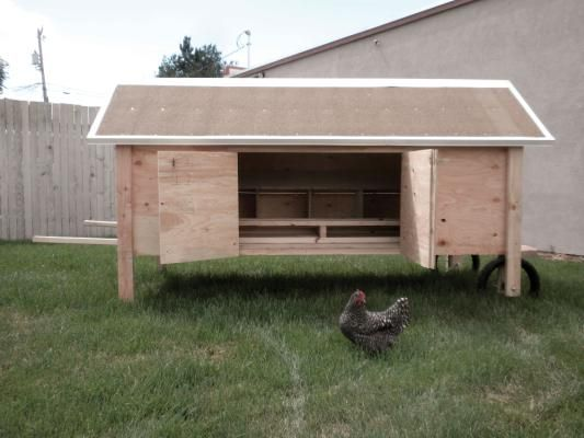 Build a movable chicken coop mom portable chicken coop for Movable chicken coop plans