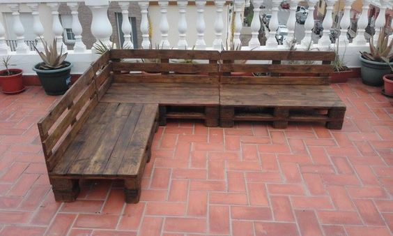 Pallet Patio / Terrace Sectional Furniture | Pallet Furniture DIY