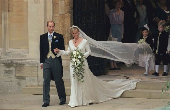 1999: Prince Edward and Sophie Helen Rhys-Jones. Designer Samantha Shaw created Sophie Helen Rhys-Jones' gown—which saw 325,000 cut-glass and pearl beads sewn onto the feminine v-neck dress.