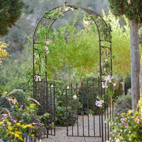 Arche A Rosier Skyrose Portillon De Jardin Integre Ambiance Romantique Assuree Dans Le Jardin Design Ornemental En Fer Trans In 2020 Rosenbogen Gartentore Garten