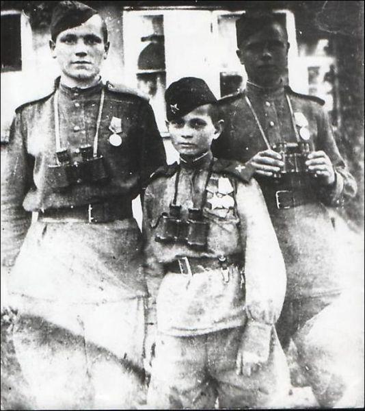 vintage everyday: Child soldiers in World War II