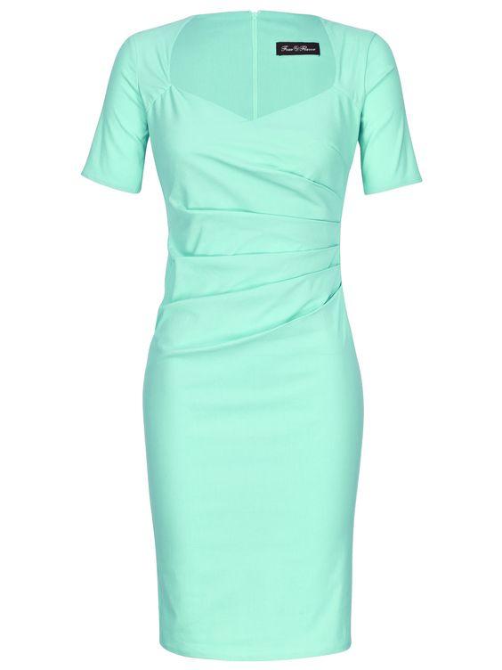 Schlichtes, dennoch sehr raffiniertes Kleid im sommerlichen Mintgrün für Damen mit seitlicher Drapage. Kombinieren Sie dieses mintgrüne Etuikleid mit Ballerinas und XL-Shopper - dann sind sie stilvoll gekleidet für den Tag.   http://bit.ly/SaUvif  Four Flavor Etuikleid
