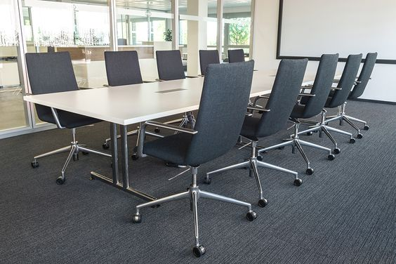 Slim and comfortable. High-quality conference chair – as swivel chair or cantilever chair: finasoft http://www.brunner-group.com/en/products/products-alphabetically/finasoft.html #conference #furniture