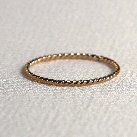 Un+solide+14k+or+corde+fil+Ring++petit+Twist+texturé+par+MARYJOHN,+$46.00