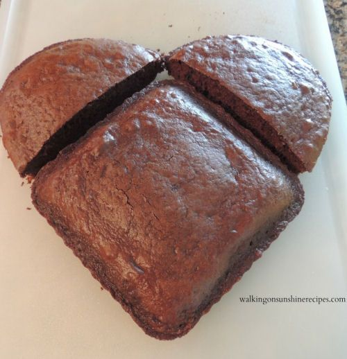 How to make a Heart Shaped Cake for Valentine' Day