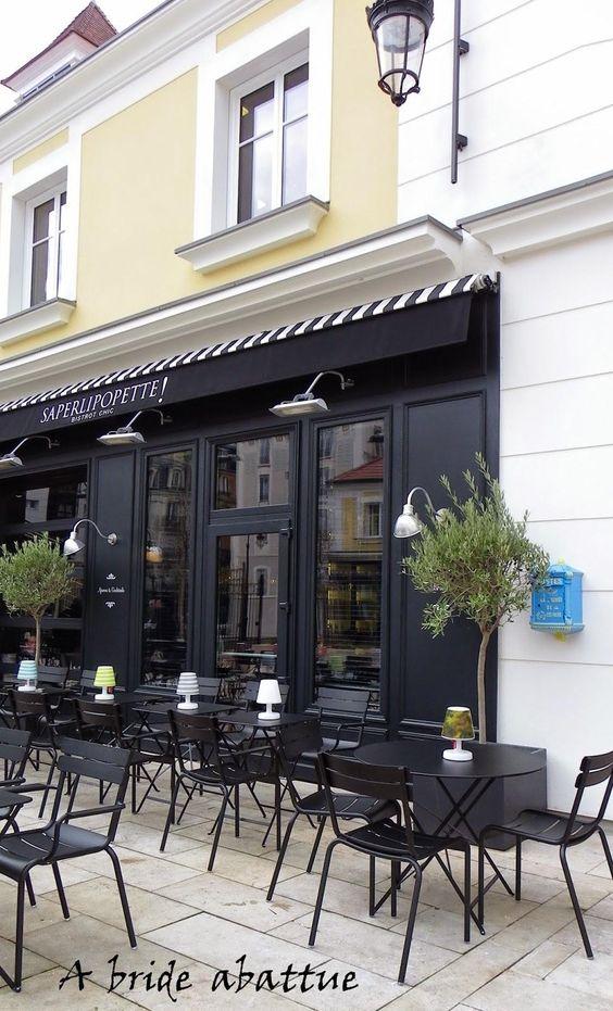 Terrasse du Saperlipopette, le bistrot chic du chef Norbert TARAYRE, Paris - Chaises #Luxembourg et tables #Bistro #noir Réglisse #Fermob www.fermob.com