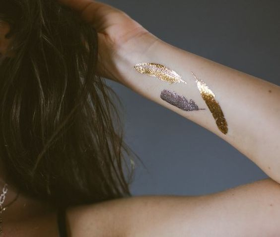 Whoa!  I've never seen flash tattoos before!! This is freaking sick!