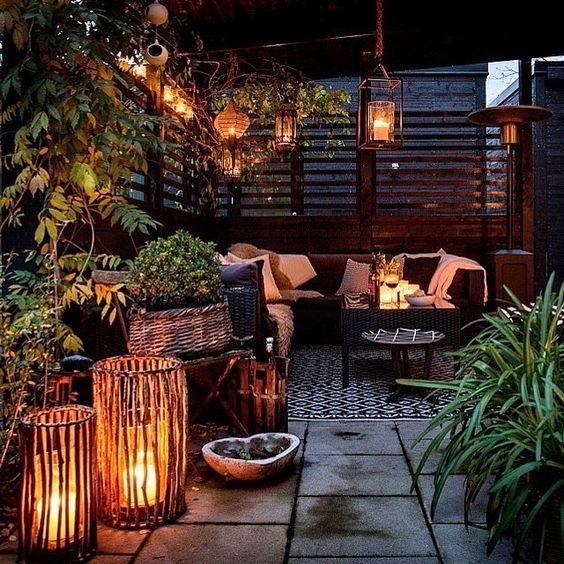 Pin By Gretchen Miller On Rooftop Vibes Roof Garden Design Roof Terrace Design Backyard Patio