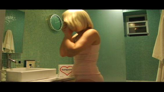 Turquoise bathroom in KICK