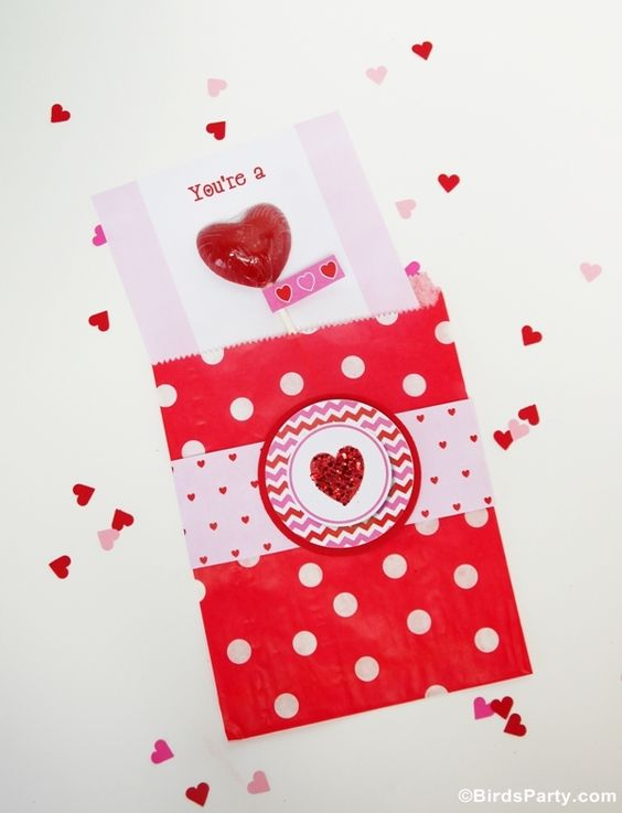 TUTORIAL: Sweet Heart Lollipop Valentine's Day Card by Bird's Party #ValentinesDayCard #Valentines #CardIdeas #Party #Lollipop #Heart #DIY #crafts #kids