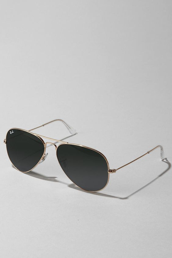 Ray-Ban Original Aviator- the perfect classic glasses. a must-have, staple item