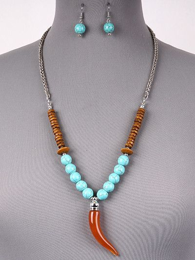 {Turquoise Bead & Horn Necklace Set}