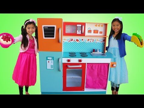 Emma Wendy Pretend Play Cooking Competition With Cute Giant Kitchen Toy Youtube Cooking Toys Toy Kitchen Cooking Competition