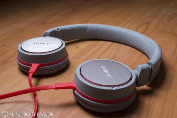 Audífonos Sony by Antonio  Elizalde Photography Product / Fotografía de Producto More information http://joaep44.wix.com/antonioelizalde