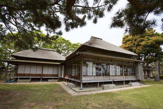 日本最初の内閣総理大臣を務めた伊藤博文が、明治憲法草案を起草したゆかりの地に建てた別荘が旧伊藤博文金沢別邸です。 この別邸のこと、伊藤博文のこと、伊藤博文が好んだ金沢のことを知っていただくクイズを開催します