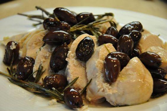 Bocconcini di pollo alla birra con olive e noci, secondo piatto gustoso