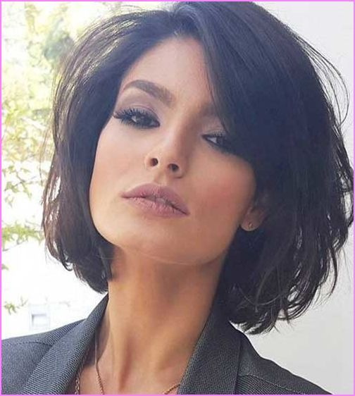 Chic Short Hairstyles For Modern Women Lilostyle In 2020 Short Bob Hairstyles Hair Styles Thick Hair Styles