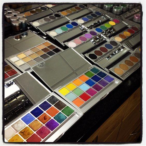 Paletas de colores profesionales de Kryolan.