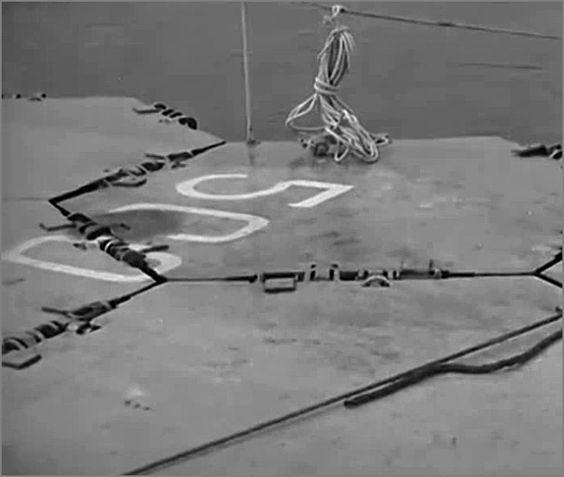 """""""Лилия"""" -  плавающая взлетно-посадочная полоса, Англия, сент. 1945.  Фото4"""