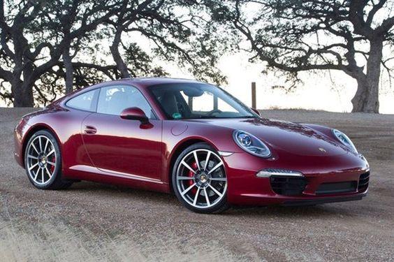 Simple y sencillamente el 911 es el Porsche más carismático!