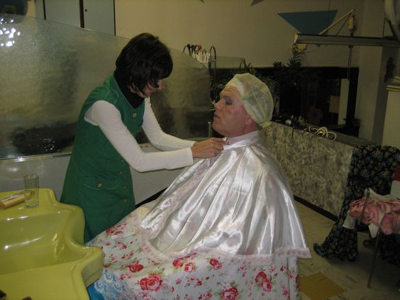 Capes, Dryers and The salon on Pinterest
