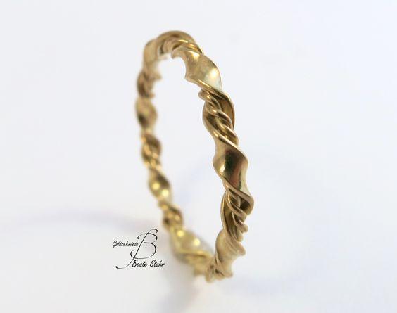 gedrehter Ring Handarbeit Gold 585/- von TraumSchmuckWerkstatt auf DaWanda.com