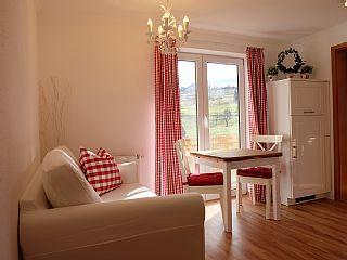 Allgäu-Herzen in Oberstdorf ab 435 € pro Woche. Mieten Sie diese Ferienwohnung für bis zu 3 Personen in der Region Oberallgäu.