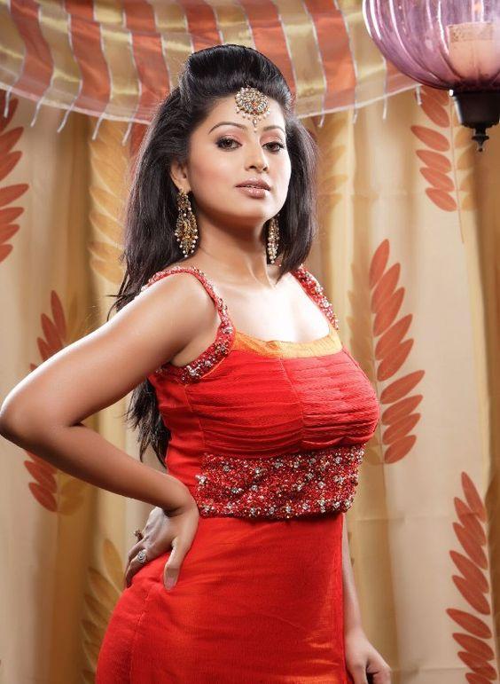 Actress Sneha - celebrity-hot-fashion.blogspot.com