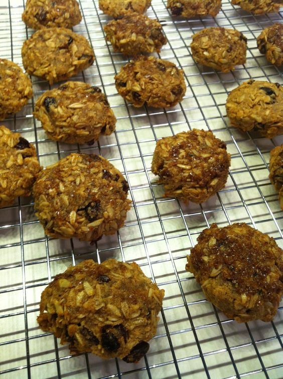 Mutritious Nuffins: Lactation (Oatmeal) Cookies. Made with oats and almond flour.